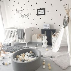We absolutely need a ball pool! - Kinderzimmer - # to # bal… Nous avons absolument besoin d'une piscine à balles! – Kinderzimmer – We absolutely need a ball pool! Nursery Modern, Baby Nursery Decor, Baby Bedroom, Baby Boy Rooms, Baby Boy Nurseries, Baby Decor, Modern Nurseries, Monochrome Nursery, Wall Paper Nursery