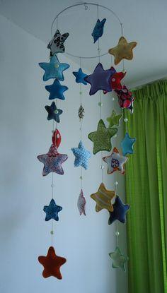 Made by Jolanda van den Hoven - sterrenmobiel voor in de babykamer - Baby star mobile