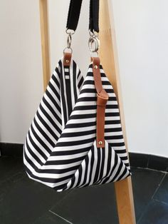 Stripe canvas diaper bag with front pocket, Messenger bag, Personalised diaper bag, Marina B&W Sac à langer Maxi Bag / Sac de messager / sac de toile / Striped Canvas, Cosmetic Pouch, Tote Bags, Women's Bags, Bucket Bag, Purses And Bags, Messenger Bag, Diaper Bag, Shoulder Bag