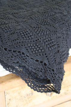 Image of Plaid ancien au crochet.