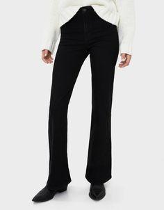 Flared jeans - New - Bershka Lebanon Jeans Flare, Jeans Fit, Bershka Collection, Best Sellers, Fashion News, Street Wear, Street Style, Womens Fashion, Fitness
