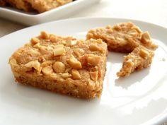 Maida Heatter's brittle peanut cookies