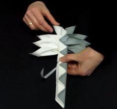 Astuces pour créer un pliage de serviette en forme de palmier   Couteaux Laguiole, tout sur la coutellerie Laguiole