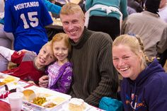 Photo gallery from Christmas Dinner at the Mission, 12-23-13.