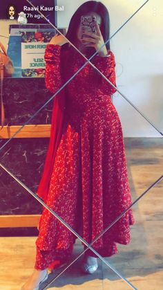 Dpz for girls Indian Fashion Dresses, Pakistani Dresses Casual, Dress Indian Style, Pakistani Dress Design, Indian Outfits, Indian Clothes, Stylish Dresses, Simple Dresses, Trendy Outfits