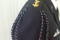 Het nieuwe blauwe erekoord voor medewerkers van de marine. Foto: Ministerie van Defensie