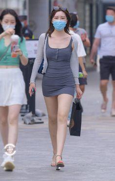 微博 Beautiful Girl Indian, Beautiful Girl Image, Girls Are Awesome, Korean Women, Sexy Asian Girls, Asian Woman, Cool Girl, Girl Fashion, Mini Skirts