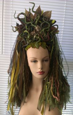 Medusa headdress © (2013) Dreadful Falls, USA via Facebook