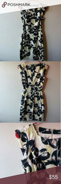 French Connection Dress Beautifully tailored with a sophisticated print. Only worn once to a conference. French Connection Dresses