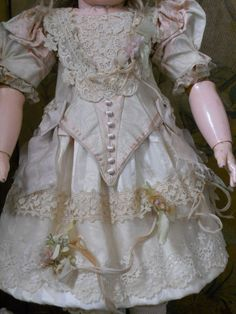 Very pretty antique French silk costume .... fit perfect for doll´s about circa 24-25 ( 62 - 64 cm ).... for Jumeau - Steiner - Bru - Gaultier - Eden