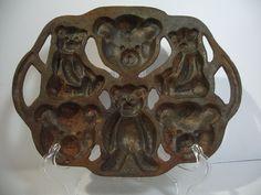Cast Iron Teddy Bear Pan Vintage Marked #2 Handles Cookies Corn Bread 6 Designs