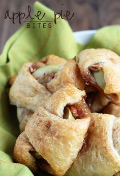Apple Pie Bites - A delicious, quick & easy mini apple pie made with Pillsbury crescent rolls in less than 30 minutes!