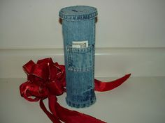 Make a Bank from Denim and a Pringles Can - Recycled Craft pocket, flags, coins, crochet hooks, denim, recycled crafts, blues, pencil holders, old jeans