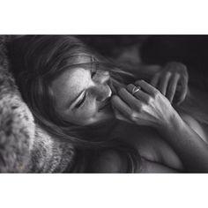 #lazysunday #sunny #sunday #relax #homestory #homeshooting #50mm #blackandwhiteisworththefight #blackandwhitephotography #nikon #nikonphotography #lookslikefilm #vsco #nude #nudeart #sensual by denniskilchphotography #instagram