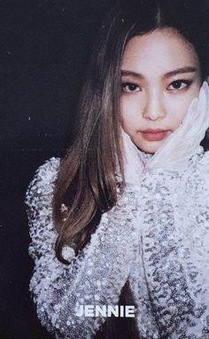 screenshot gallery of hottest popular celebrities Kpop Girl Groups, Korean Girl Groups, Kpop Girls, Kim Jennie, Yg Entertainment, 2ne1, Blackpink Square Up, Rapper, Blackpink And Bts