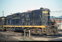 Net Photo: CRR 914 Clinchfield Railroad EMD at Erwin, Tennessee by Kyle Korienek Collection Rail Train, Train Car, Erwin Tennessee, Pennsylvania Railroad, Railroad Photography, Old Trains, Diesel Locomotive, Thomas And Friends, Model Trains