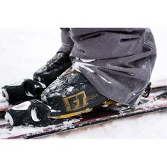 The Full Tilt First Chair mens ski boots have a classic design with custom fitting Intuition liners. Buy your First Chair 6 2019 now at our shop outlet for 30% off!!