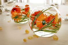 Goldfish bowl flowers & wedding centerpieces using gold fish | Wedding Table Centerpieces ...