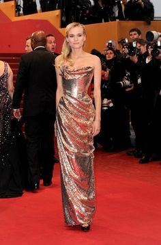 Red Carpet look of the day: Diane Kruger wearing a Vivienne Westwood dress at the Cannes Film Festival. Vivienne Westwood Kleider, Glamour Fashion, Mode Glamour, Ellie Saab, Glitter Force, Celebrity Dresses, Celebrity Style, Tom Ford, Integers