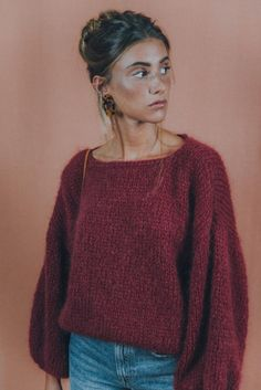 Burgundy mohair sweater, perfect for the upcoming cold days! Remember each sweta… Burgundy mohair sweater, perfect for the upcoming cold days! Remember each swetaer is handknitted so it takes a few weeks… Looks Street Style, Looks Style, Looks Cool, My Style, Mode Outfits, Fall Outfits, Fashion Outfits, Womens Fashion, Fashion 2018