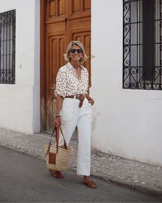Best Outfits For Women Over 50 - Fashion Trends 60 Fashion, European Fashion, Fashion Looks, Fashion Outfits, Fashion Trends, Fashion Women, Fifties Fashion, Spring Fashion, Winter Fashion