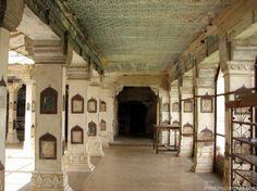 jCorridor inside Chitrasala Bundi Palace, India