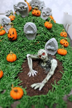 Zombies are a must when creating a graveyard scene! Custom Cakes, Zombies, Fondant, Icing, Pumpkin, Urban, Halloween, Creative, Outdoor
