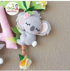 Felt Crafts Diy, Felt Diy, Handmade Felt, Cute Crafts, Crafts For Kids, Koala Craft, Newborn Girl Headbands, Cute Kawaii Animals, Bear Felt