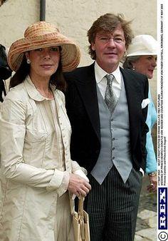 Prinzessin Caroline und Prinz Ernst August von Hannover bei der Hochzeit von Prinz Heinrich Donatus von Hesse und Floria-Franziska von Faber-Castell in Kronberg, am 17. Mai 2003 in Deutschland