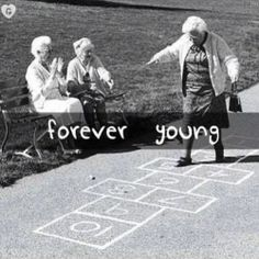Forever Young? America Stays Relatively Youthful Even as World Population Ages I Smile, Make Me Smile, Old Age, Hopscotch, Young At Heart, Jolie Photo, Aging Gracefully, Forever Young, Inevitable