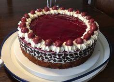 Schneewittchentorte Snow White Cake, a very nice recipe in the category of pies. Ratings: Average: Ø Snow Cake, Snow White Cake, Pie Recipes, Dessert Recipes, Bolo Red Velvet, Best Pancake Recipe, Foil Pack Meals, Flaky Pastry, Donia