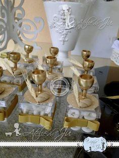 Ateliê da Ju: Primeira Comunhão da Amanda! Boys First Communion, First Communion Favors, Communion Gifts, Communion Cakes, Baptism Party, Boy Baptism, Christening, First Communion Decorations, Baptism Candle
