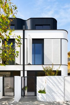 Townhouse inspired by Art Deco Gallery of Upper Eastside Townhouse / Michael K Chen Architecture - 16 Modern Architecture Design, Facade Design, Residential Architecture, Architecture Logo, Melbourne Architecture, Neoclassical Architecture, Pavilion Architecture, Vintage Architecture, Australian Architecture