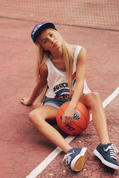 model: Sanna L