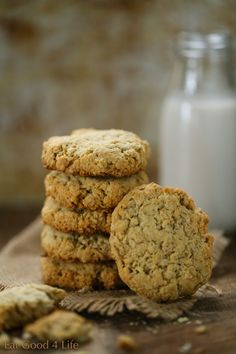 Almond oat cookies, gluten free | Eat Good 4 Life 1 cup rolled oats, gluten free 1 cup unsweetened shredded coconut  1 cup almond flour 1/3 cup maple syrup 1/4 cup coconut oil 1/2 tsp aluminum free baking powder 1/4 tsp celtic salt