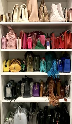 41 best Ideas for bag storage ideas purse organization shelves Walk In Closet Design, Bedroom Closet Design, Closet Designs, Bag Closet, Closet Space, Closet Storage, Closet Shelves, Wardrobe Organisation, Purse Organization