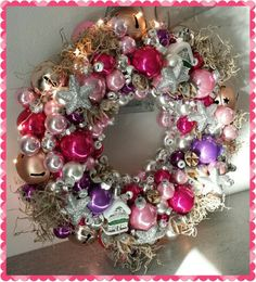 Met verlichting Christmas Wreaths, Christmas Decorations, Holiday Decor, Ornament Wreath, Ornaments, Decorating, Space, Home Decor, Christmas Garlands