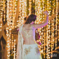 Sheer back blouse design with golden border details !! #blouse #indian #bridal #latest #modern #trendy Netted Blouse Designs, Best Blouse Designs, Saree Blouse Designs, Bridal Looks, Bridal Style, Net Blouses, Curvy Bride, South Indian Bride, Indian Bridal