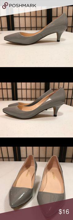 """Loslandifen Euro Size 35 Gray 2"""" Pump US Size 4 Loslandifen Euro Size 35 Gray 2"""" Pump US Size 4-5 narrow at the toe loslandifen Shoes Heels"""