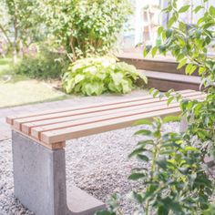 DIY - Gartendeko: Mondscheinkugeln (glow in the dark - Diy Upcycling, Upcycle, Ideias Diy, Outdoor Furniture Sets, Outdoor Decor, Ceramic Plates, Decoration, Recycling, Gardens