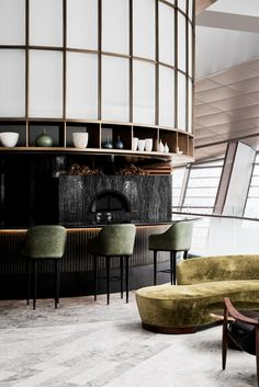 Sean Connolly at Dubai Opera draws upon the design team's interest in 20thC Classics and oceanic, Australian/ New Zealand influences of Connolly's cooking.