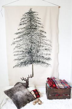 Do it yourself ideas and projects: DIY Festive Christmas Tree Wall Hanging