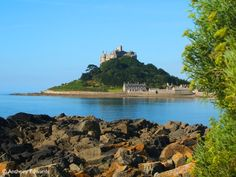 Cornwall is a beautiful place to visit, steeped in history, myths and legends. 5 Places to Visit to Explore these and more. St Michael's Mount, West Cornwall, Eden Project, St Ives, Tropical Garden, Beautiful Places To Visit, Mystic, Tourism, Castle