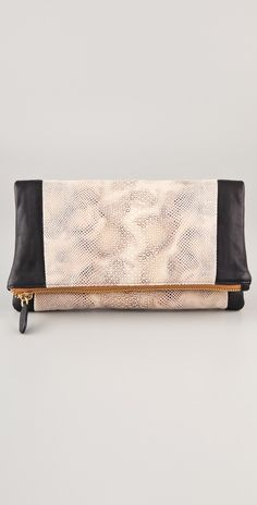 Be & D Nixie Clutch thestylecure.com