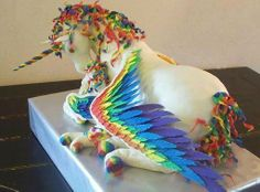 rainbow winged unicorn cake, this is incredible!