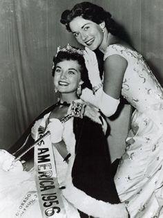 Edit    Miss America 1955, Lee Meriwether crowns Miss America 1956, Sharon Ritchie.