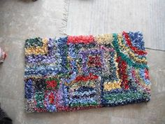 Latch hooked rag rug - with tutorial - HOME SWEET HOME  The only instructions I could find for possibly making the beautiful  boucherouite rugs I've been coveting