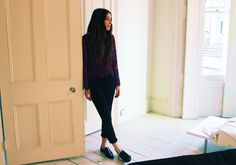 Nice outfit for school. Simple but cute. Danielle Haim, Lindsey Buckingham, Fleetwood Mac, Winter Looks, School Outfits, Harem Pants, Normcore, Womens Fashion, Muse