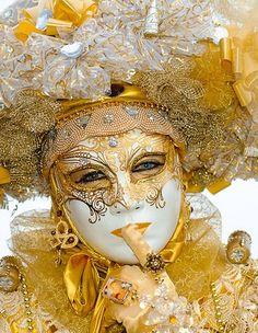 Golden themed venetian carnival mask and costume. #masks #venetianmask #masquerade http://www.pinterest.com/TheHitman14/art-venetian-masks-%2B/