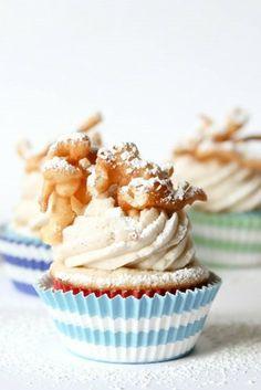 クルミのトッピングが可愛い☆カップケーキ|カップケーキ&プチスウィーツの写真日記
